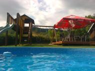 pohľad z bazéna